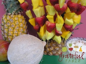 Grateful-Table-Fruit-Kabobs-w-Dip