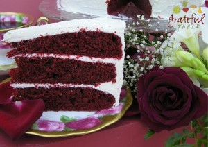Traditional Red Velvet Cake (looks so GOOD!)
