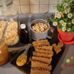 Cashews, oats, cinnamon, bee pollen... ENERGY BARS!