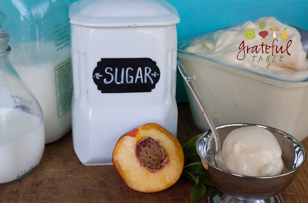 Homemade Peach Ice Cream, Easy